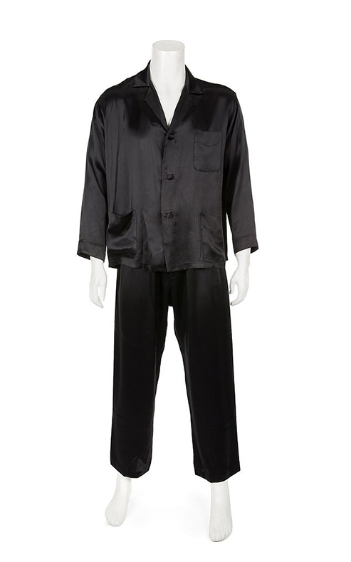 5012572-6271783-Stylish_silk_Hefner_s_black_silk_pajamas_are_expected_to_fetch_b-a-48_1539406914355