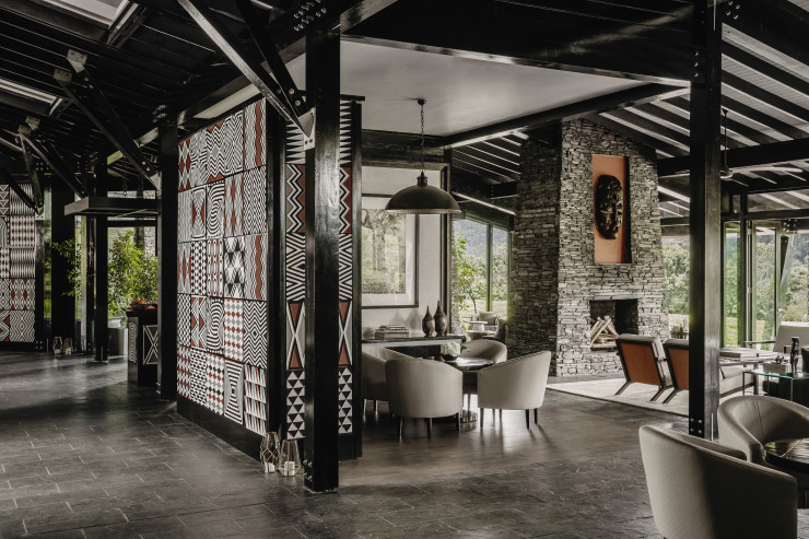OO_NyungweHouse_Resort_Tea_Lounge_Hallway