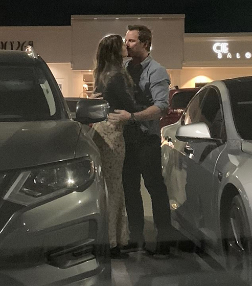 5309480-6306069-PDA_On_Friday_night_Chris_Pratt_was_spotted_passionately_kissing-a-5_1540301410625