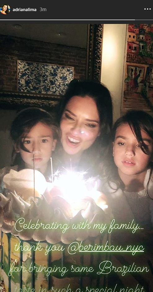 5989882-6372889-_Celebrating_with_my_family_Adriana_Lima_shared_this_cute_shot_o-a-9_1541792394269