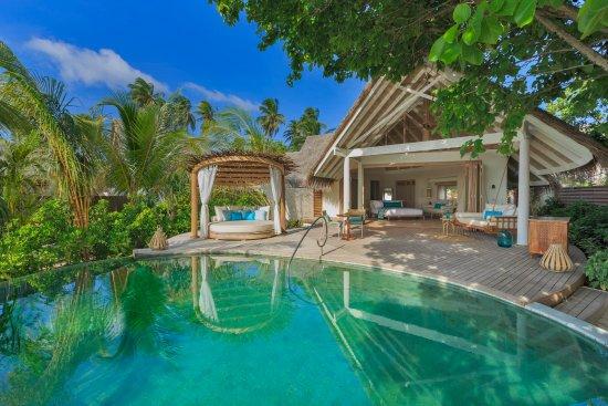 beach-pool-villa-at-milaidhoo