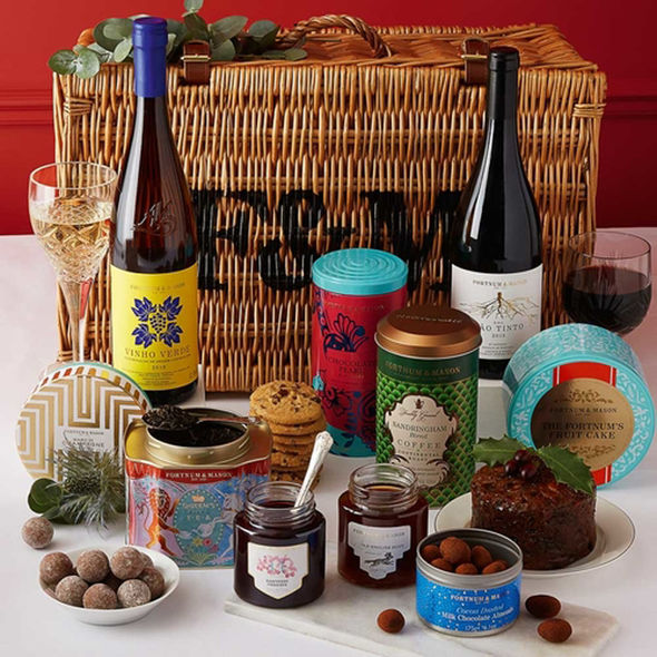 Fortnum-Mason-The-Grosvenor-Hamper-125-1577769