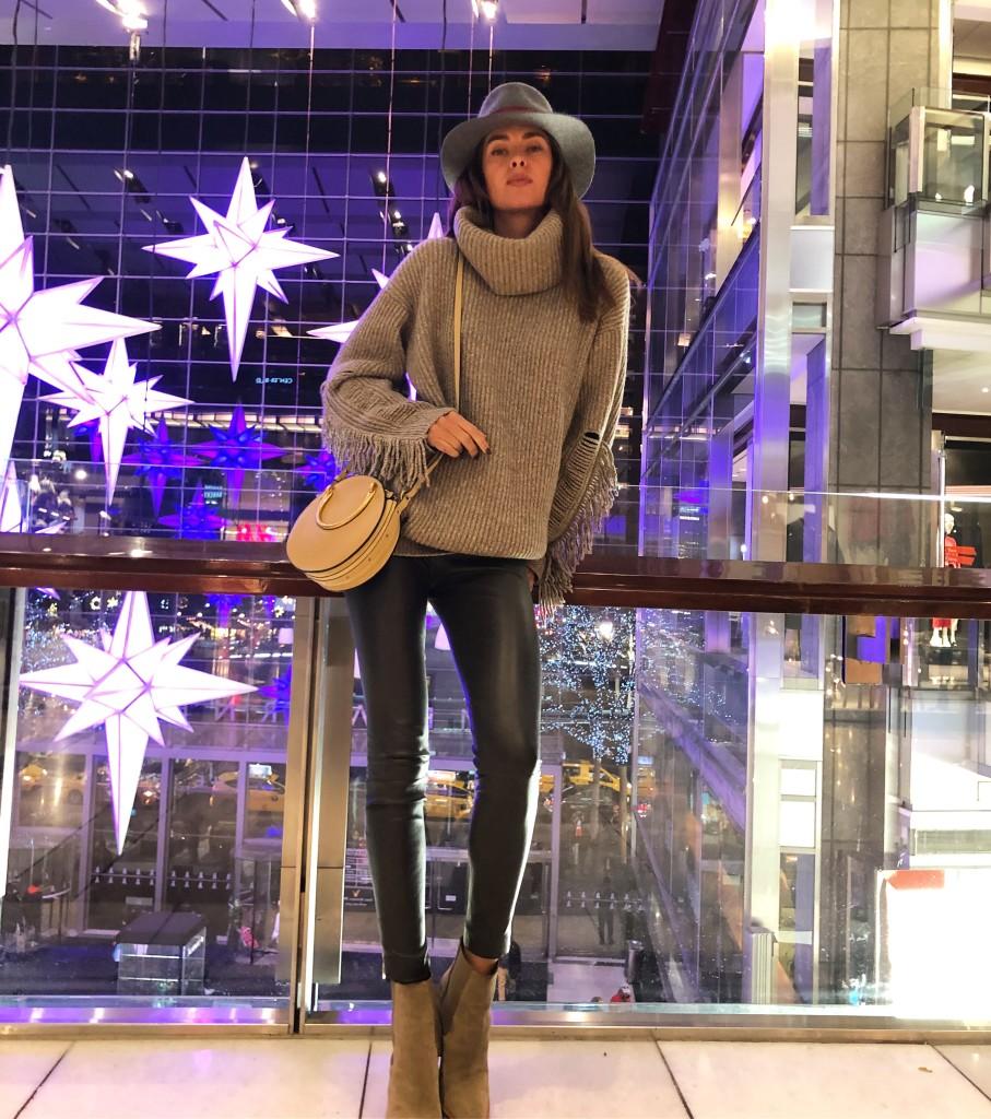 Вице-мисс Вселенная-2011, фитнес-блогер Олеся Стефанко