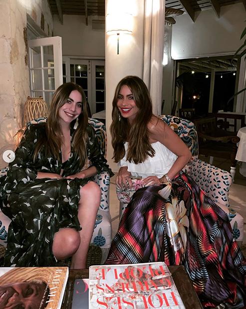 София Вергара с племянницей / Instagram