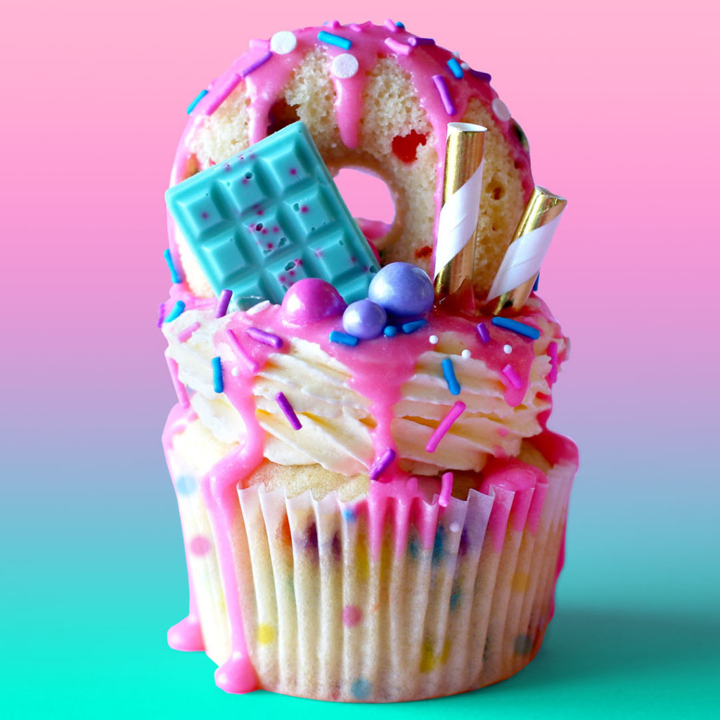 Хайди Клум снабдила Викторию Бекхэм годовым запасом пирожных