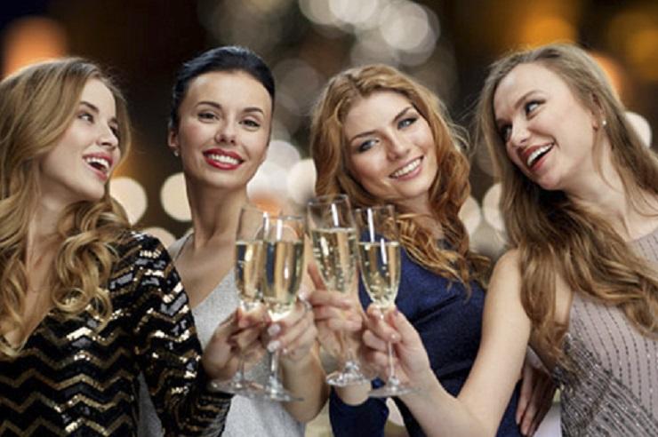 Веселый девичник – лучшее начало предстоящей свадьбы. Фото: www.luxury-hotels.ru