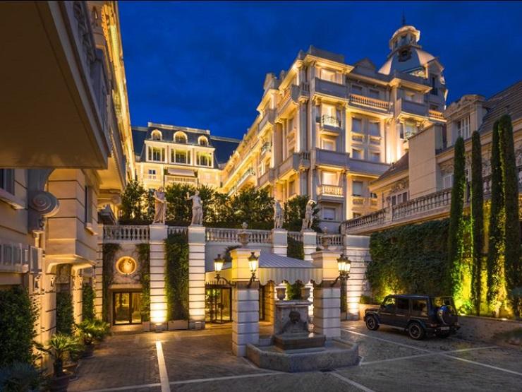 Полный впечатлениями день сменится красивейшим вечером. Фото: www.luxury-hotels.ru