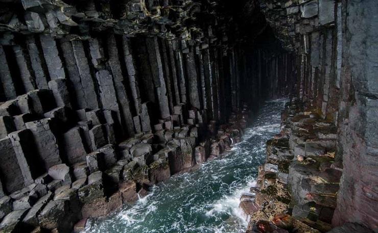 Каждый звук в этой пещере чудесным образом преображается. Фото: etotam.com