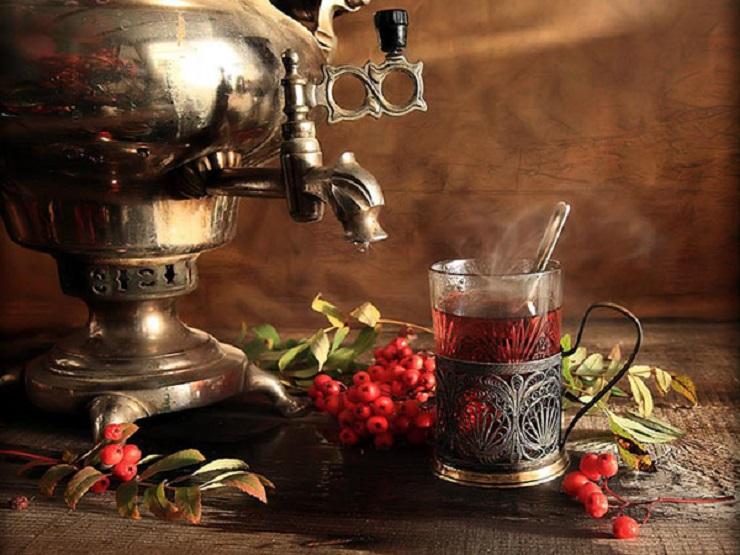 Сбитень из самовара обладает привкусом давних традиций. Фото: ru-sled.ru