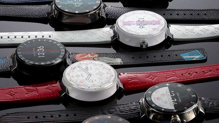 Разнообразие ремешков и возможность менять дисплеи делают аксессуар подходящим для разных случаев. Фото: ru.louisvuitton.com