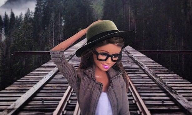 Раз Барби путешествуют, тревел-коллаборации не исключены. Фото: @socalitybarbie/Instagram