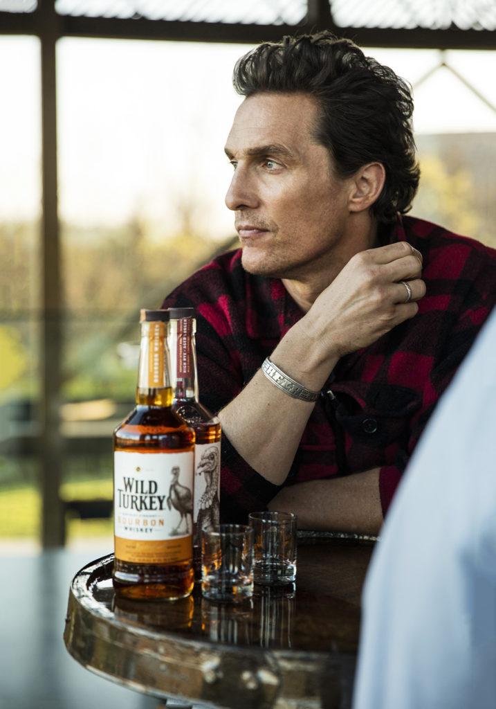 Виски на картинке мужик