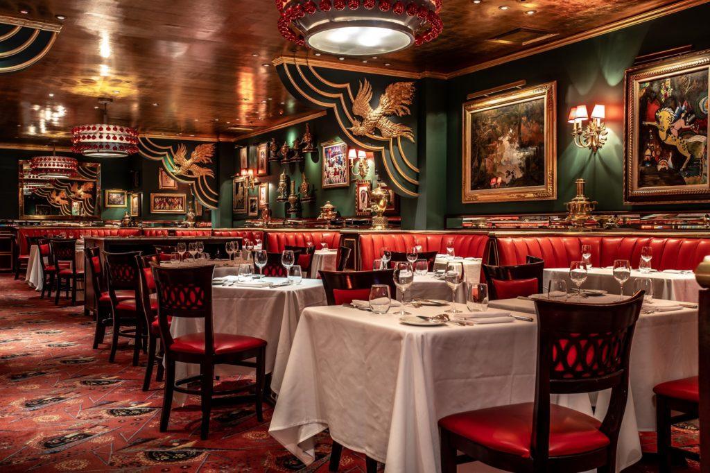 """И самовар там, конечно же, тоже имеется - Russian Tea Room в Нью-Йорке также попал в кадр """"Сплетницы"""""""