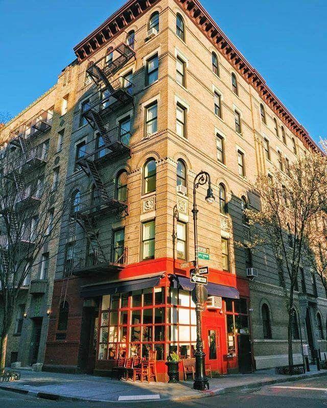 Квартира Моники и Рейчел в Нью-Йорке - вид снаружи