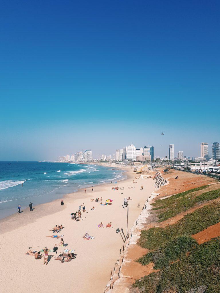 Тель-Авив тепло привествует в бархатный сезон
