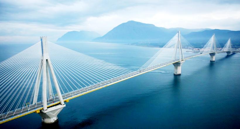 Мост через Коринфский залив считается самым длинным вантовым мостом в Европе