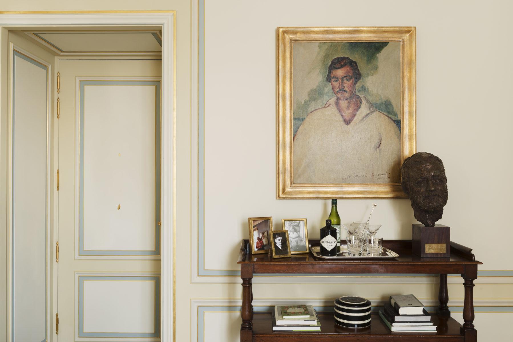 """Сьют """"Эрнест Хемингуэй"""" в Ritz Paris"""