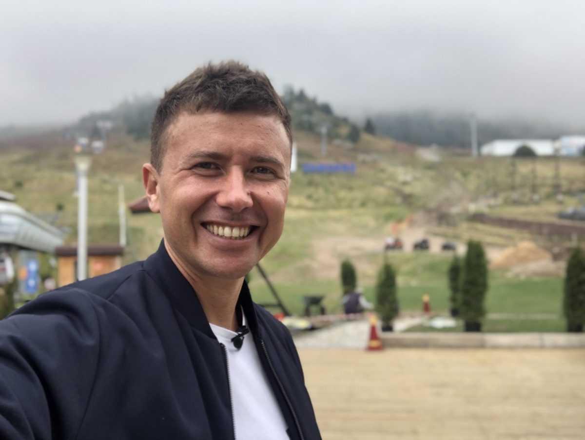 Андрей Буренок