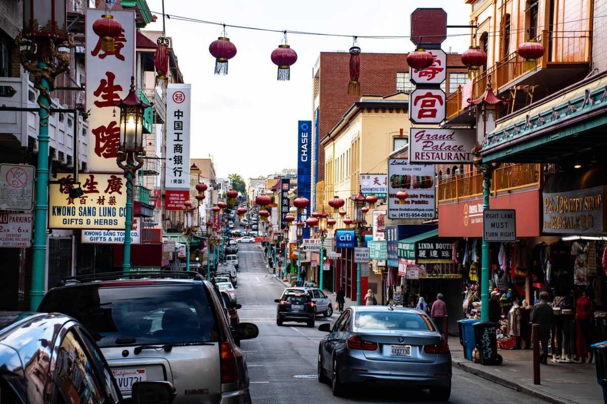 В Китае приостанавливают действие безвизового транзита и безвизового въезда