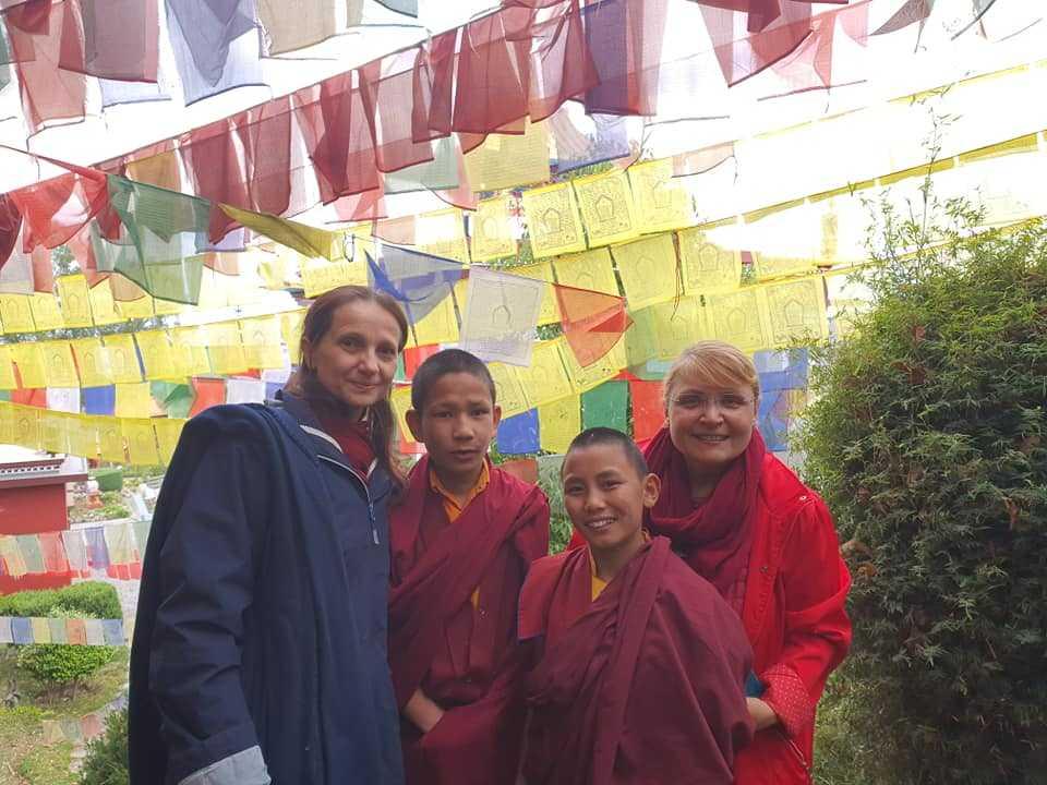Молитвенные флажки - Непал, монастырь в Катманду