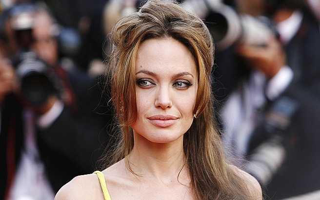 Анджелина призвала каждого не быть равнодушным