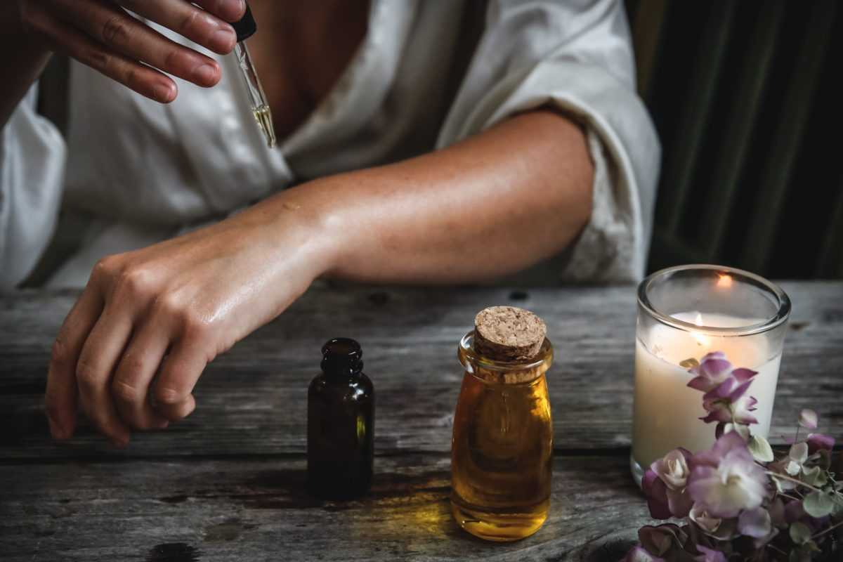 ароматерапия, эфирное масла, эфирные масла, сандал, сандаловое дерево