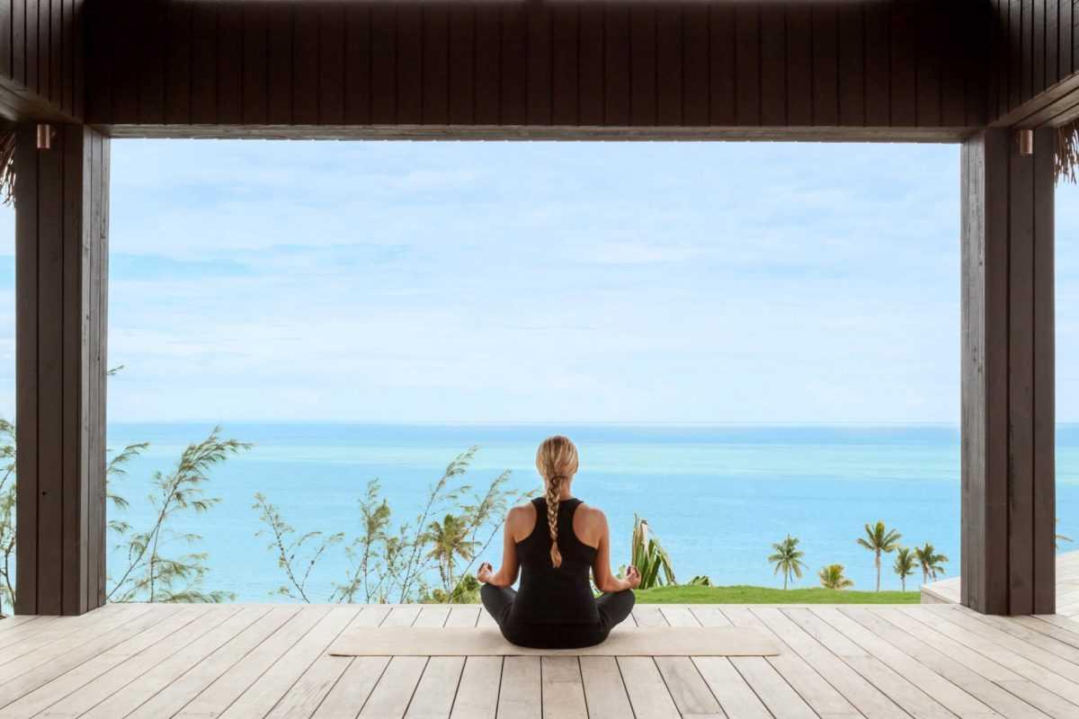 онлайн йога Six Senses