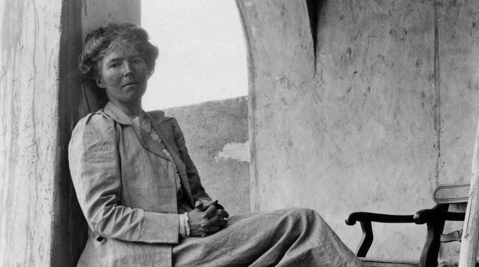 ее жизнь вдохновила голливудских продюсеров снять байопик «Королева пустыни» с Николь Кидман в главной роли