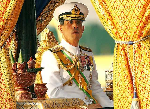 Король Таиланда Маха Вачиралонгкор самоизолировался в спа-отеле