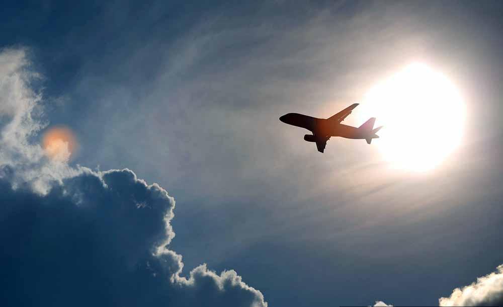 Прогнозы премьер-министра: когда откроется авиасообщение в Украине