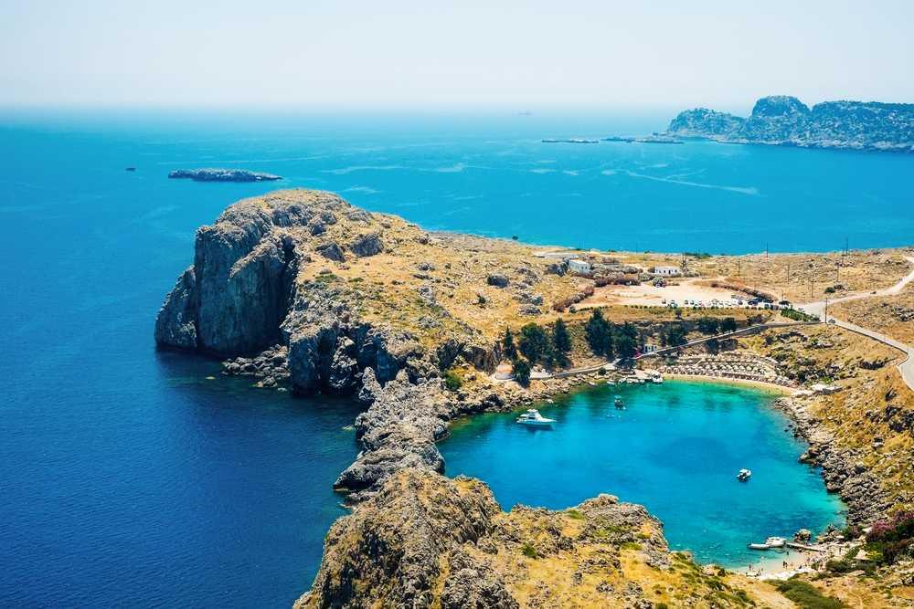Греция начинает туристический сезон с 15 июня