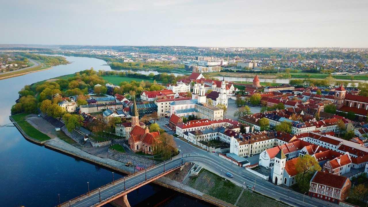 Страны Балтии открывают внутренние границы