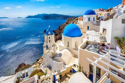 Греция готовится открыть туристический сезон