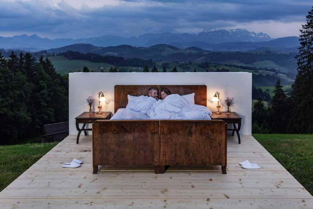 В Швейцарии открыли отель под открытым небом