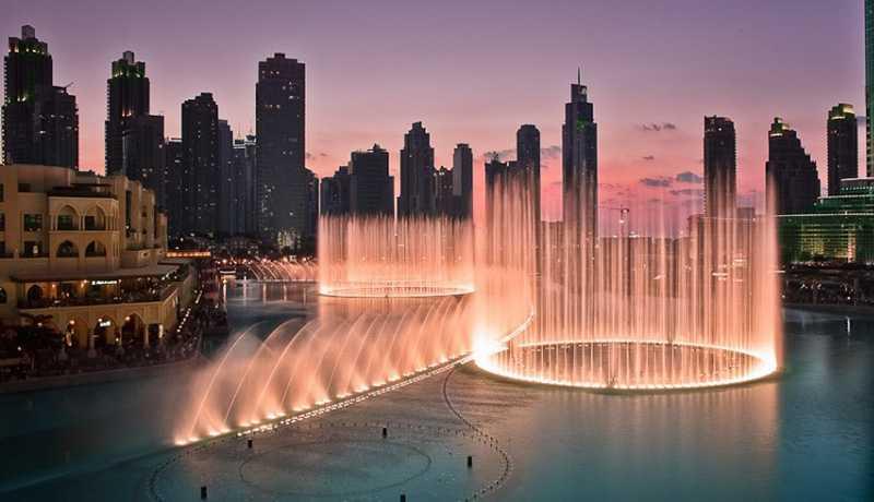 В Дубае возобновил работу танцующий фонтан