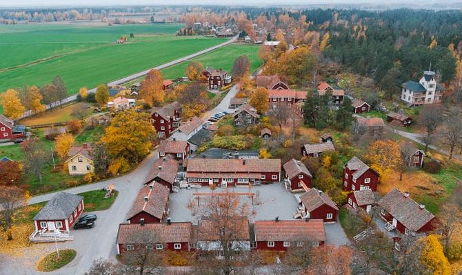 В Швеции выставили на продажу деревню