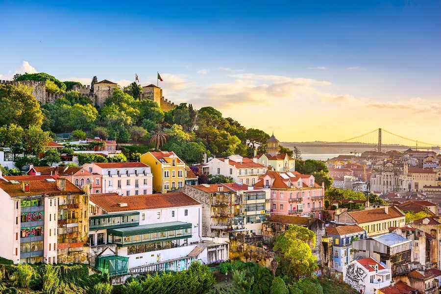 В Португалии смягчают карантинные меры