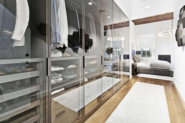Белла Хадид купила роскошный особняк