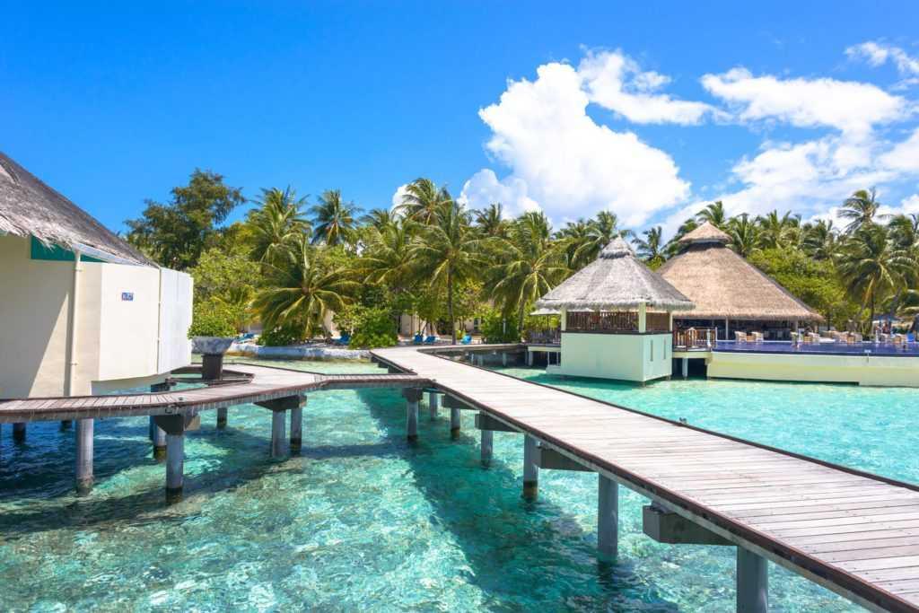 Мальдивские острова открывают туристические курорты