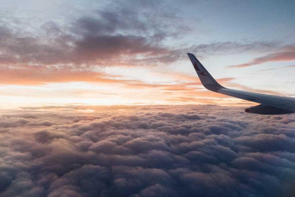 Первые ласточки: куда можно летать из Украины