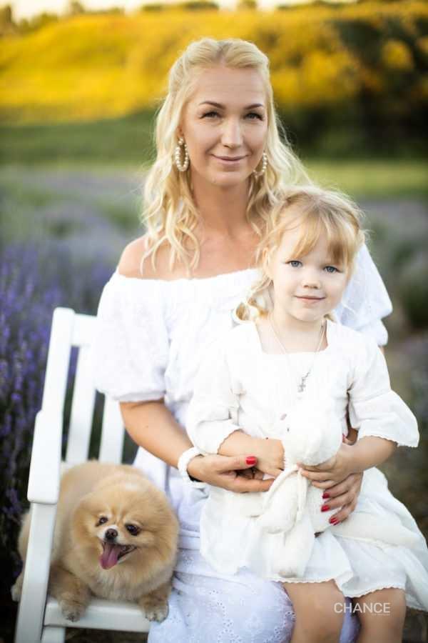 Анна Артеменко с дочкой