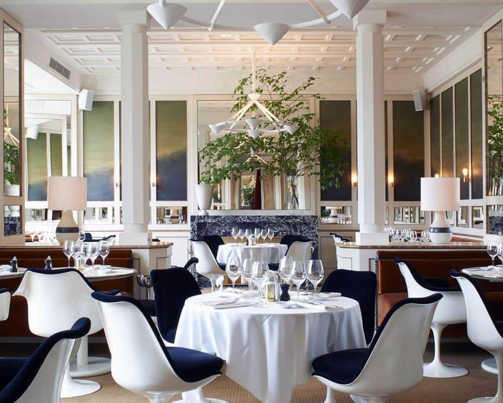 Ресторан в Париже LouLou