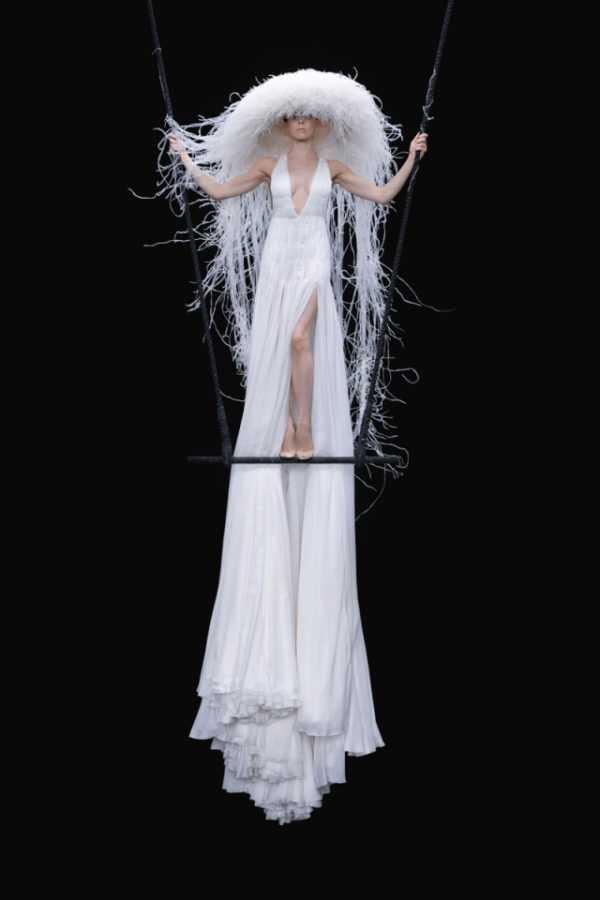 Haute Couture 2020/2021: коллекция Valentino