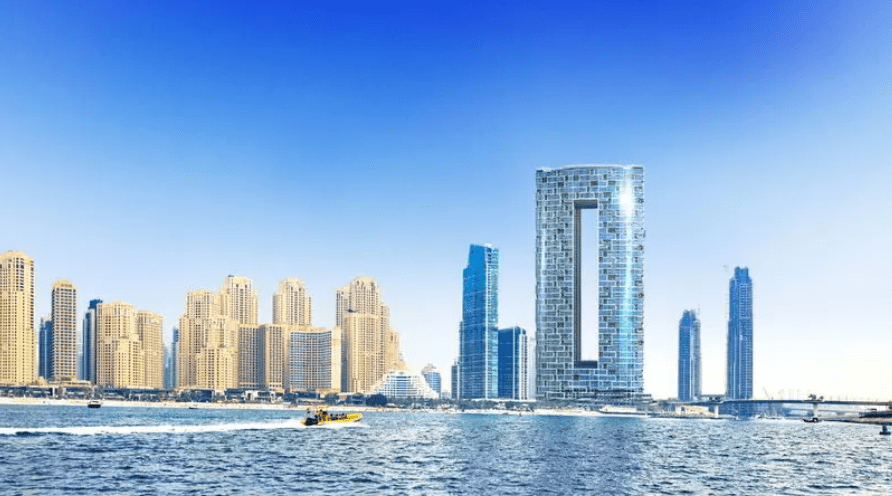 В Дубае открывается отель с самым высоким в мире бассейном