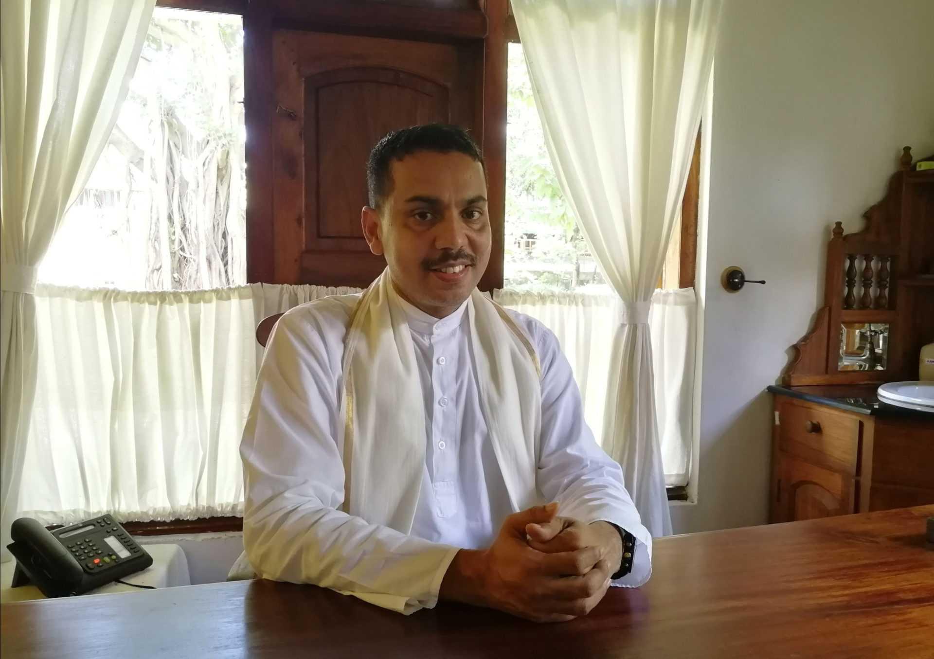 Главный врач клиники Kalari Kovilakom доктор Джохар