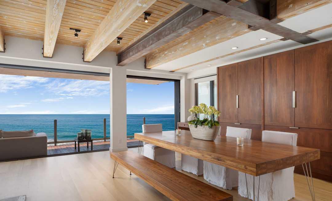 Роскошный дом на берегу океана Мэтью Перри