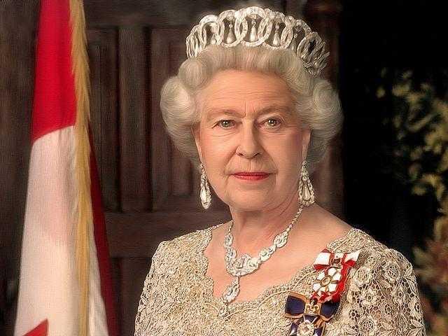 Королева Елизавета ІІ открывает автокинотеатр