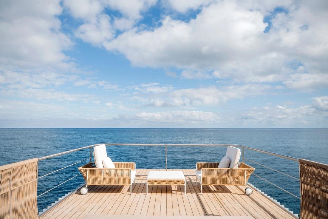отель в море
