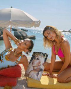 Хейли Бибер и Белла Хадид Versace