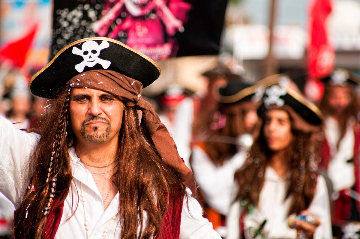 Неделя пиратов на Каймановы островах